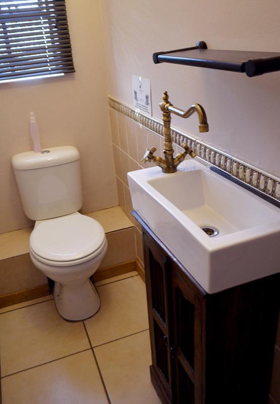 Toilet & Basin